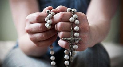 rosaryhands1